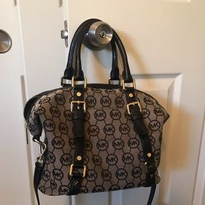 Michael Kors Handbag (Crossbody)